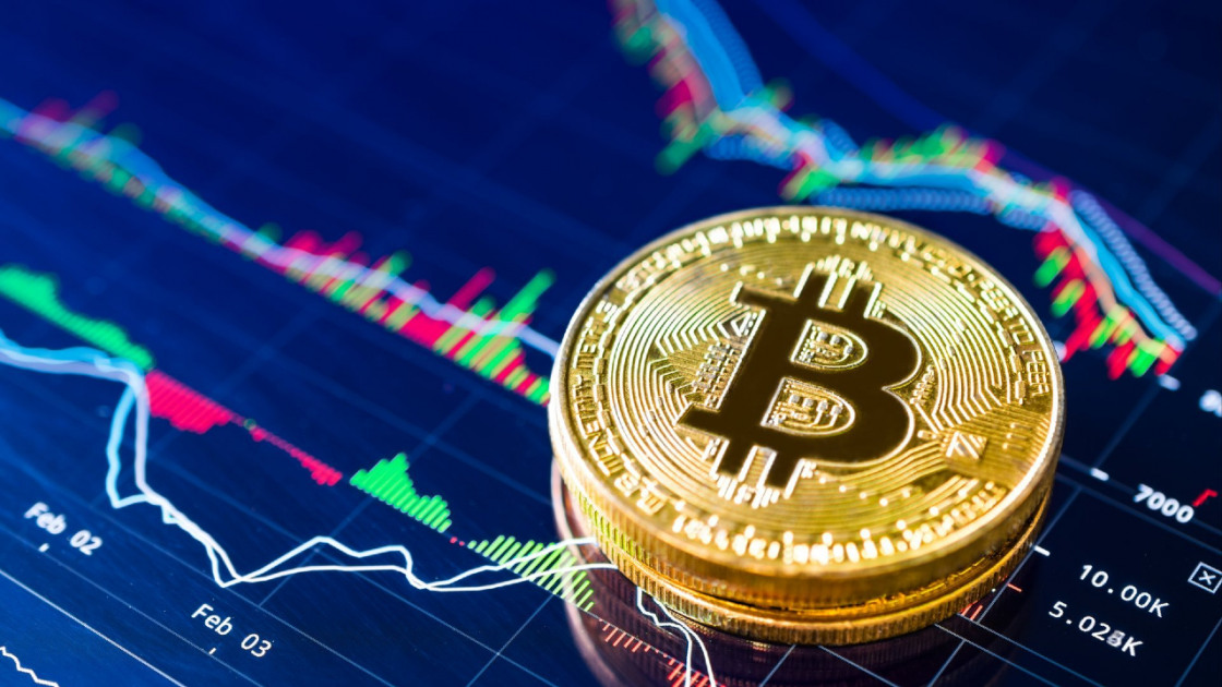 Millenials invest bitcoin