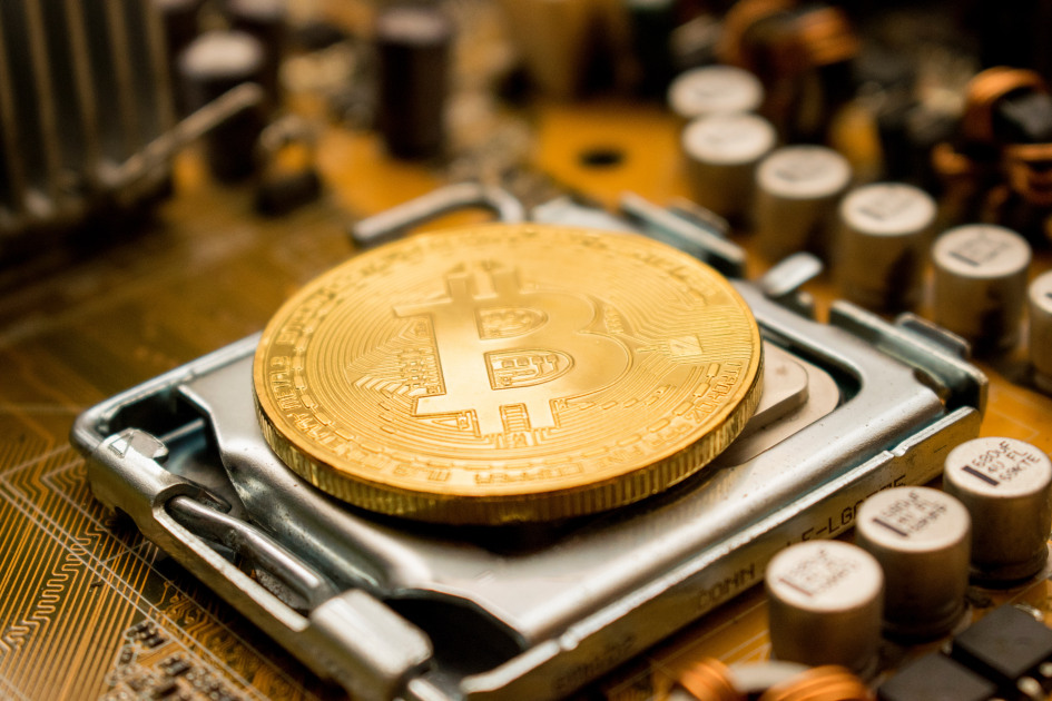 Bitcoin correlation with cryptocoins