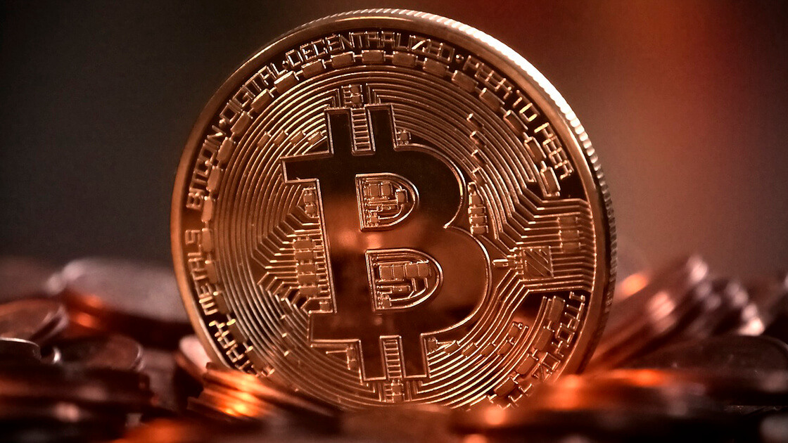 Bitcoin drops lower as cryptos stabilize after earlier fall